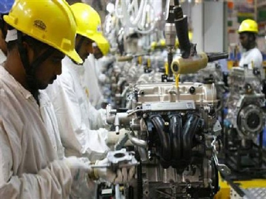UPDATE 1-China July industrial output growth falls to 17-yr low as trade war escalates, retail sales disappoint