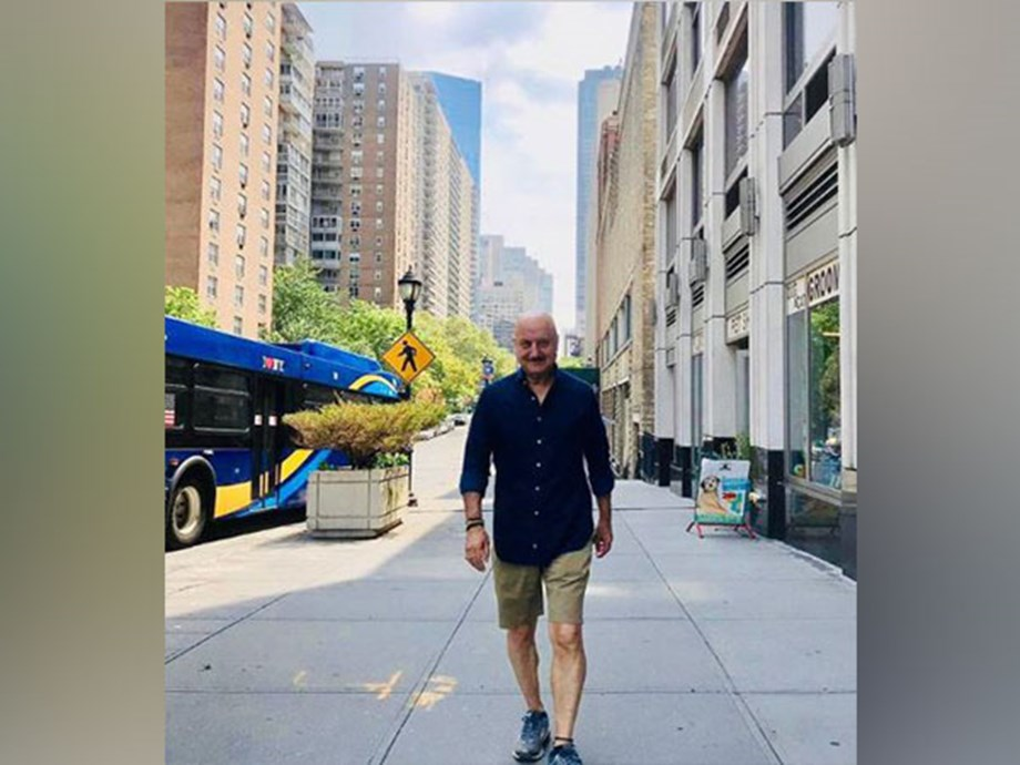 Anupam Kher shakes a leg at Jonas Brothers' concert in New York