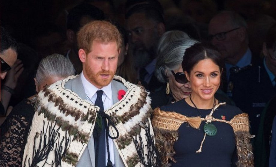 Prince Harry marks final day of Pacific tour with song in Maori language