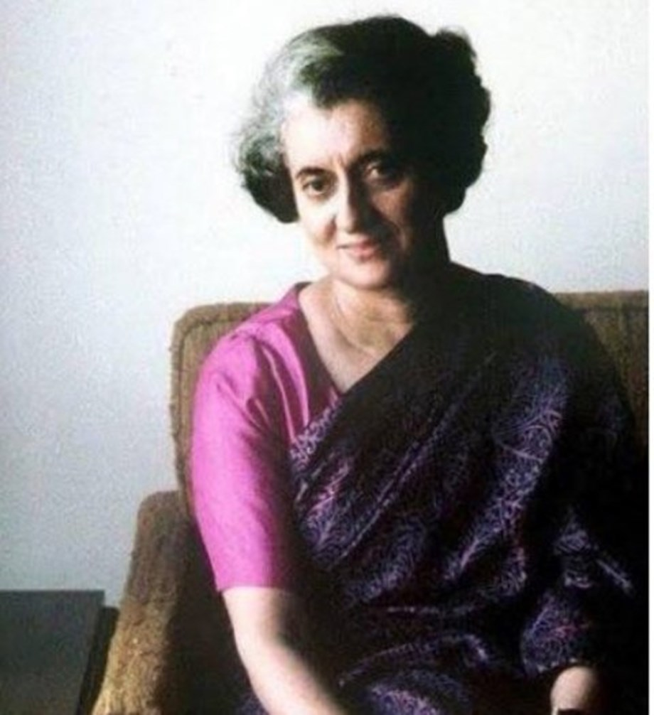 Nation pays tribute to 'Iron Lady' Indira Gandhi on her 34th death anniversary