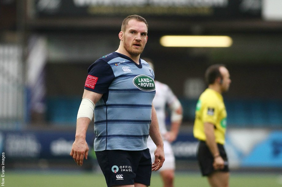 Knee injury forces Wales' rugby great Gethin Jenkins to retire