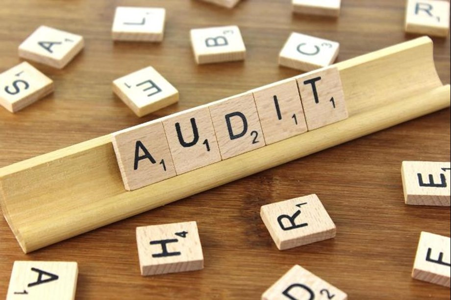 Committee of Experts submits report on Regulating audit firms and Networks