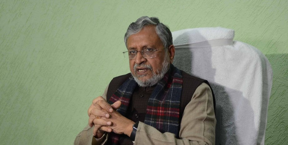 Sushil Kumar Modi alleges that Lalu offered to work against grand alliance