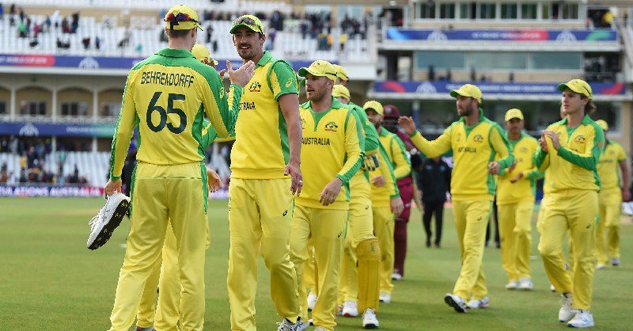 Cricket-Australia fret on team balance after Stoinis injury