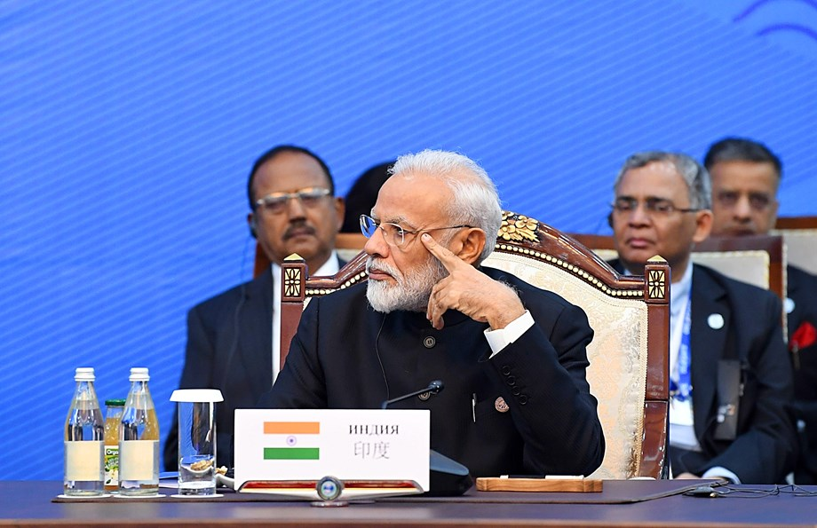 Modi-Imran exchange pleasantries during SCO Summit in Bishkek