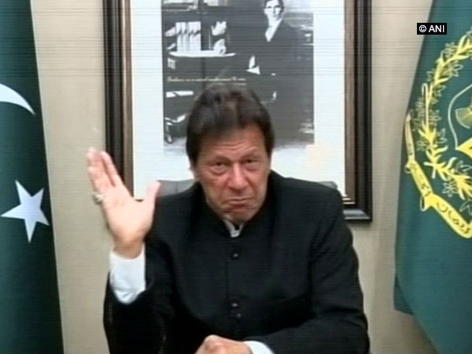 Imran Khan raises Kashmir issue during meeting with US Senators
