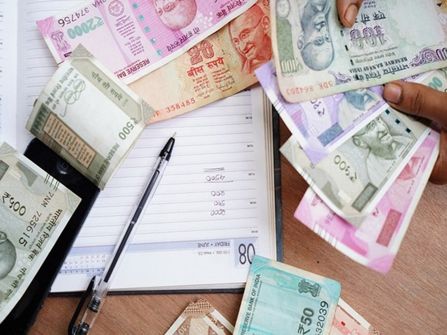 Rupee logs 1st gain in 6 days; recuperates 13 paise