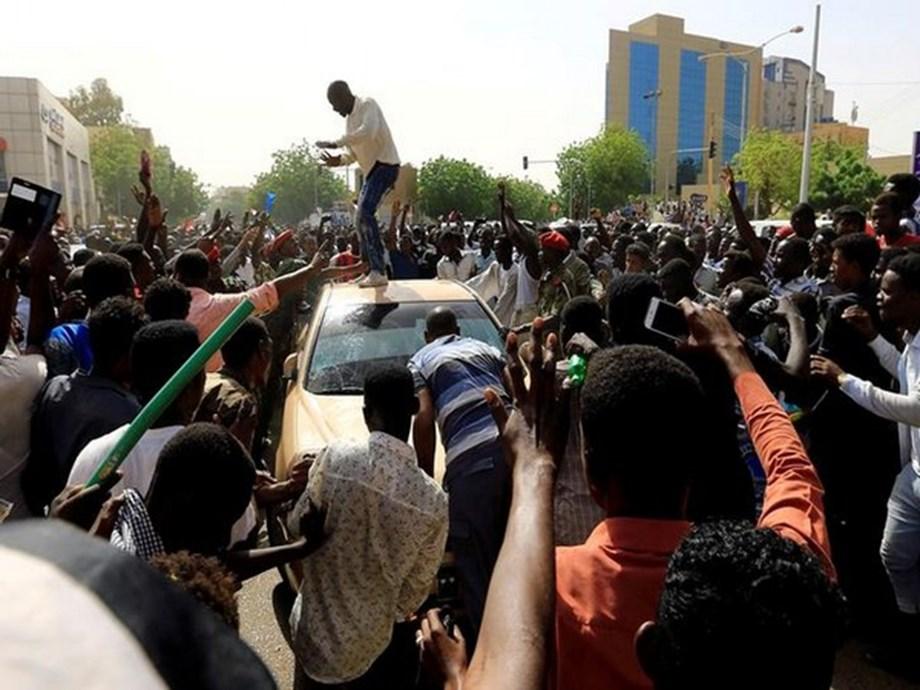 Sudan opposition denounces suspension of talks, to continue protest in Khartoum