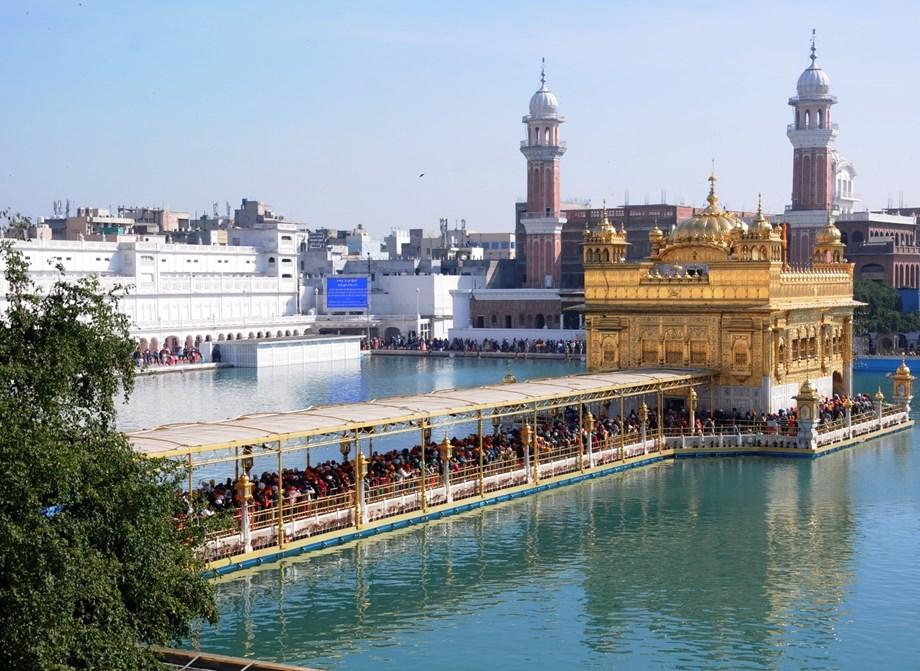 SAD, Akal Takht opposes saffron touch to Amritsar railway station