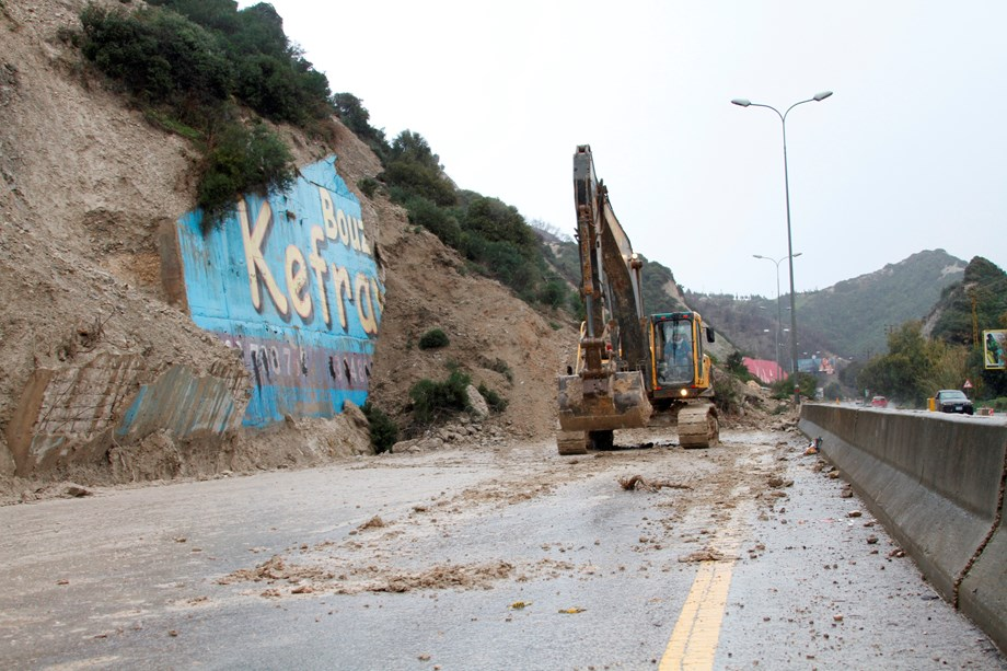 China: North Shanxi hit by landslide: death toll at 7