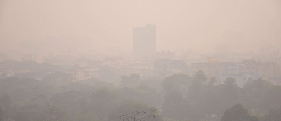 Cold, foggy morning in Delhi, haze to remain throughout the day