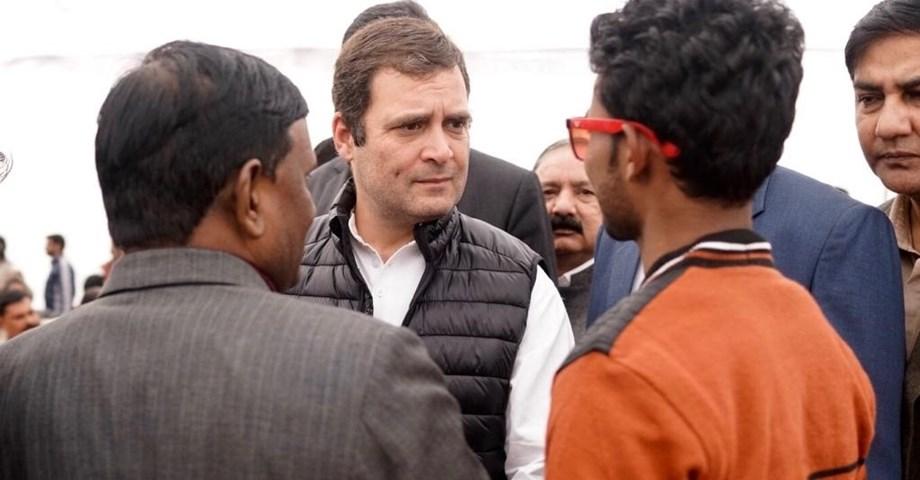 Rahul accompanied with Gehlot, Pilot meet Alwar gang-rape victim