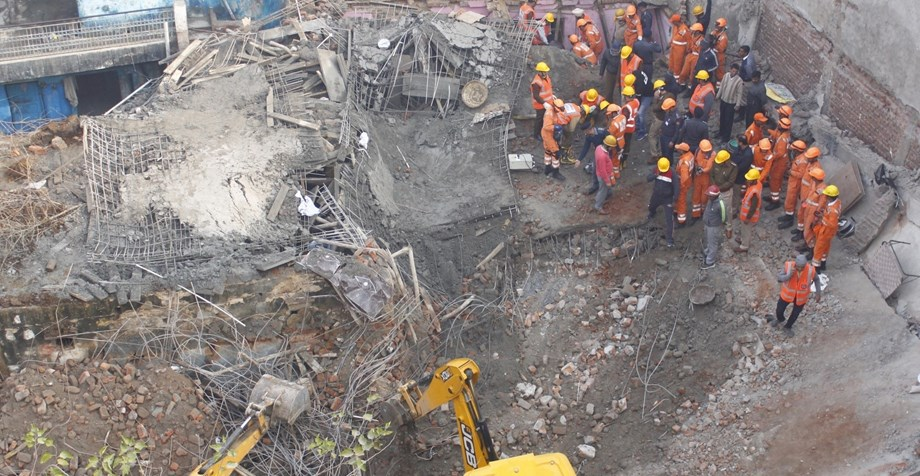 Three suspects detained over building collapse in Istanbul