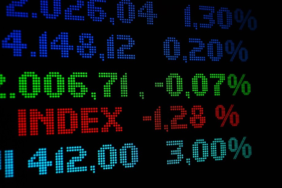 GLOBAL MARKETS-Asian shares dart between gains and losses before key China data
