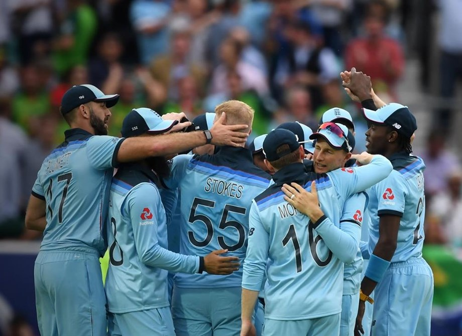 Cricket-England crush Australia to reach World Cup final