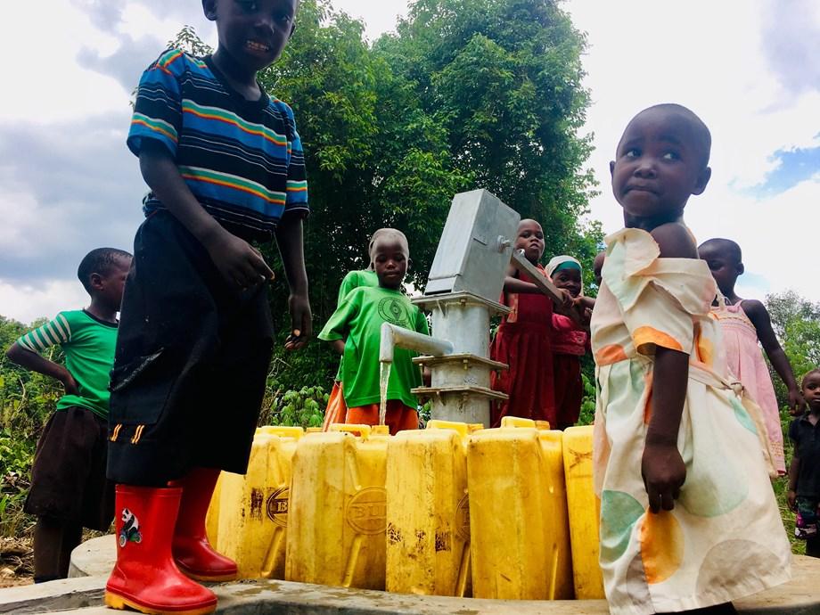 Providing water within 1 km still a big challenge in rural Uganda